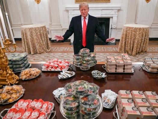 Трамп перед уходом измажет грязью стены кабинета
