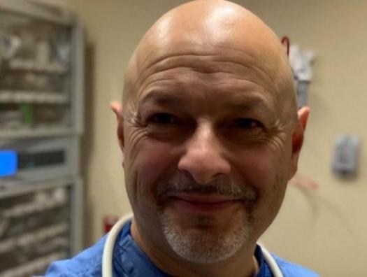 Завотделением спецбольницы Нью-Йорка Майкл Мирер в интервью haqqin.az: «РНК-вакцина положит конец пандемии. Надо потерпеть до лета»