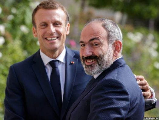 Париж будет воевать до последнего армянина