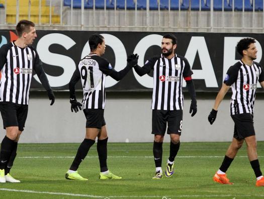 «Нефтчи» и «Карабах» побеждают после возобновления Премьер-лиги