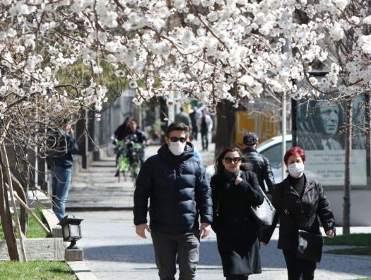 """Опрос в Ереване: """"Мир, и больше ничего"""""""