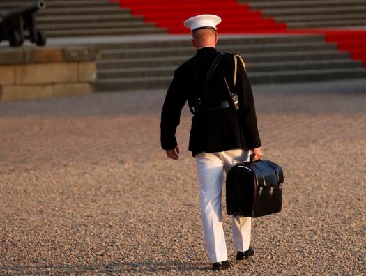 Пропал ядерный чемоданчик президента США