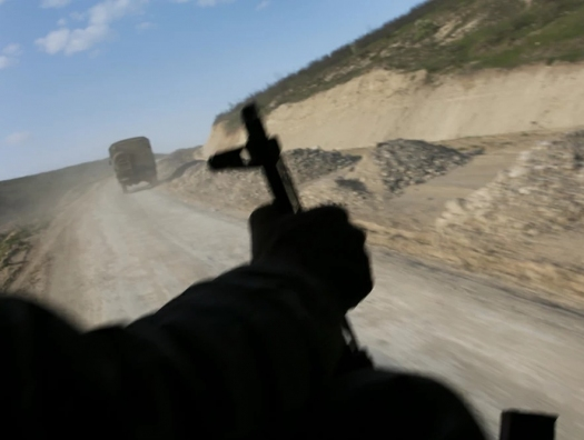 Армения тайно завозит военных в Карабах под видом технического груза