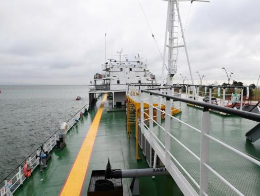 Ильхам и Мехрибан Алиевы на открытии в Баку первого в мире танкера-музея