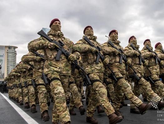В Азербайджане пересмотрены зарплаты военнослужащих