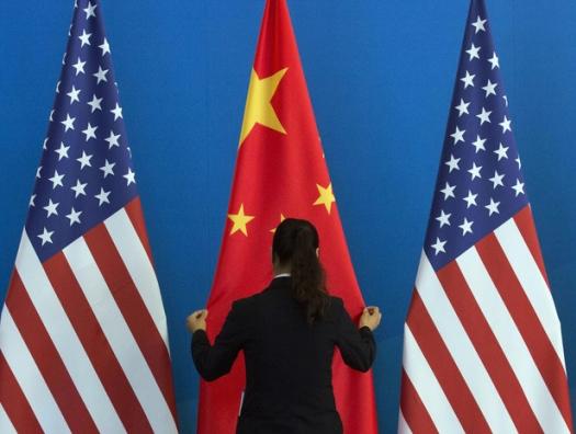 Напряжение возрастает: США атакуют китайских техногигантов