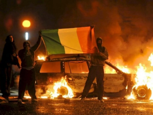 Северная Ирландия снова полыхает