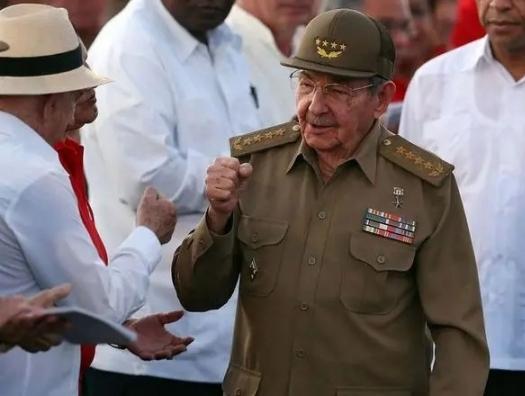 Эра Кастро закончилась, но социализм на Кубе остается