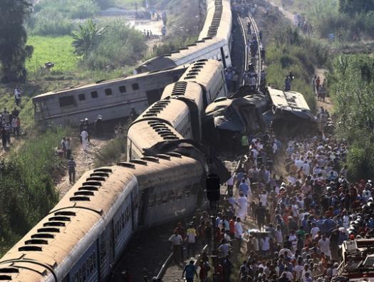 Крушение поезда в Египте: почти сто пострадавших