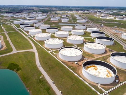 Накопленный за пандемию запас нефти оказался почти исчерпан
