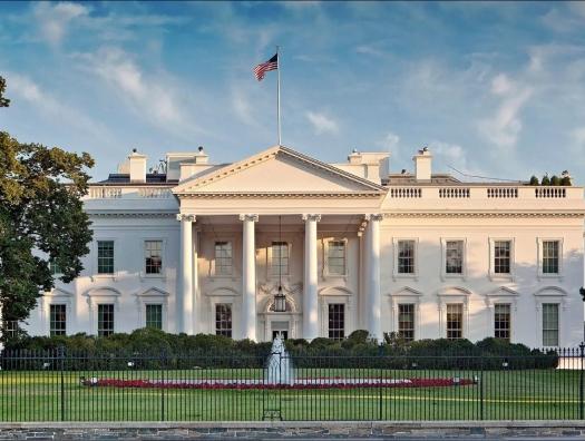 Белый Дом повернулся к Эмиратам лицом