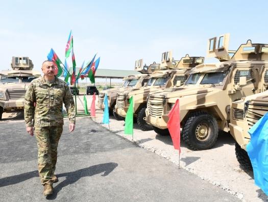 Ильхам и Мехрибан Алиевы на открытии воинской части в Джебраиле