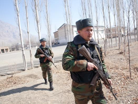 На границе Кыргызстана и Таджикистана вспыхнула война