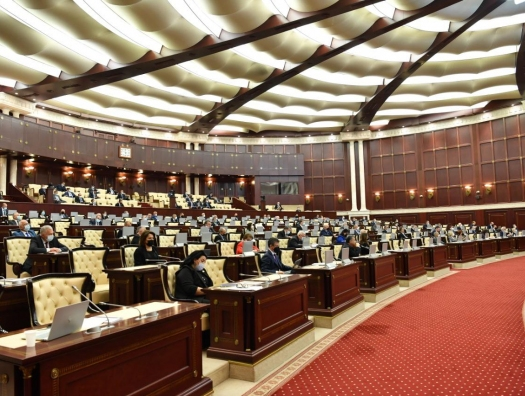 Депутаты недовольны: «Азербайджан запаздывает с открытием свободной экономической зоны в Аляте»