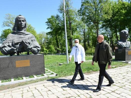 Ильхам и Мехрибан Алиевы ознакомились с работами в Шуше