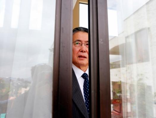 В президентский дворец или в тюрьму к отцу, вот в чём вопрос