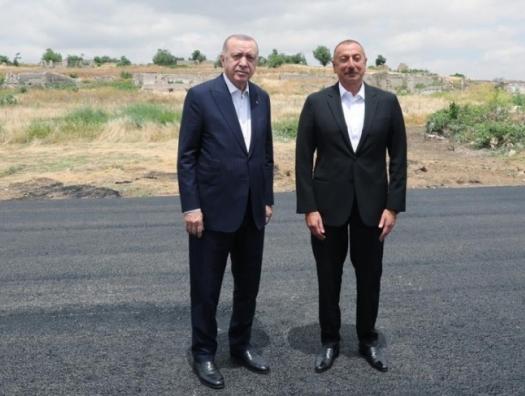 Алиев и Эрдоган побывали на источнике «Хан гызы» в Шуше