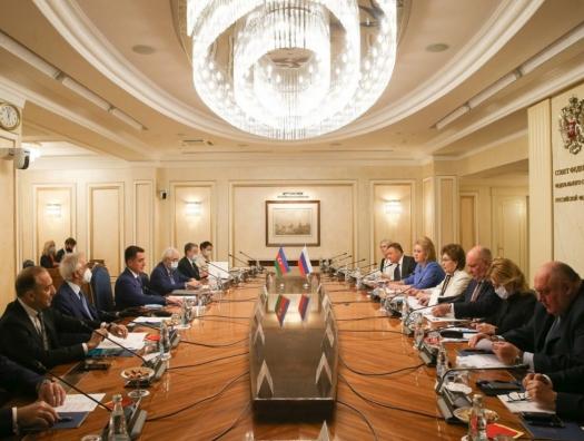 Азербайджанские и российские депутаты встретились в Москве
