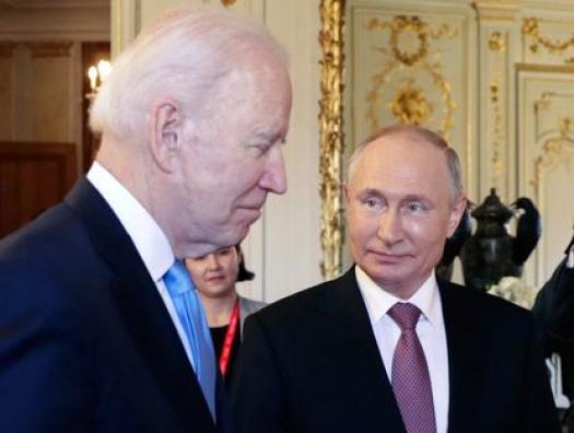 Байден спросил Путина: «Что бы ты сделал на моем месте?» Путин кивнул головой