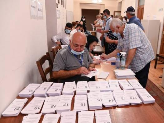 Генпрокуратура Армении получила десятки жалоб в связи с нарушениями на выборах
