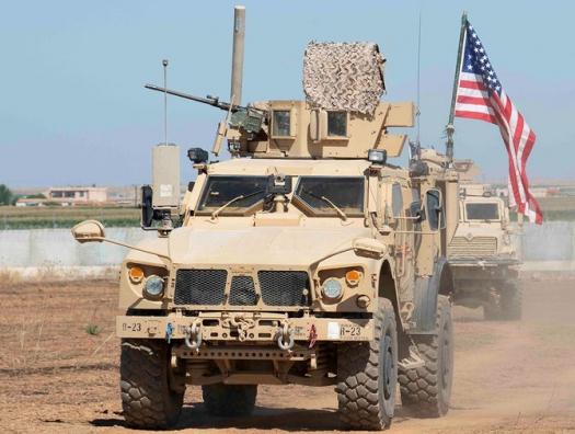 Российские военные развернули колонну армии США в Сирии