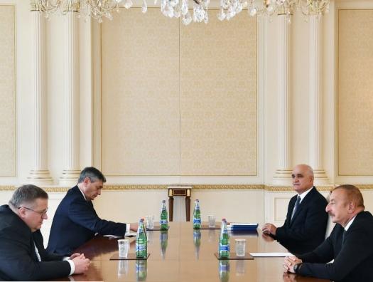 С чем приехал и уехал из Баку вице-премьер России