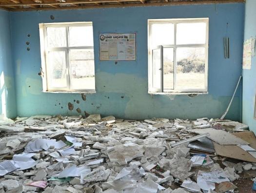 Ильхам Алиев выделил 7 миллионов на оставшиеся под армянскими бомбами школы