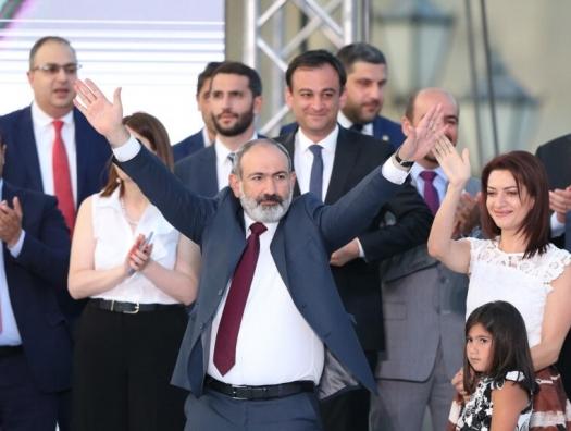 По версии Пашиняна: экономика Армении обгоняет Азербайджан