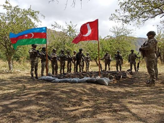 Почему спецназ Азербайджана и Турции подошел к Лачинскому коридору?