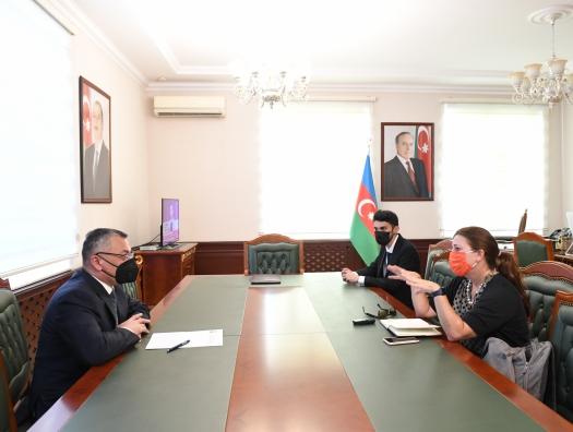 Ровшан Рзаев заявил, что абсолютное большинство беженцев хотят вернуться в Карабах