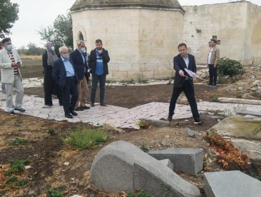 Замглавы МИД Ирана у могилы Хуршид бану Натаван