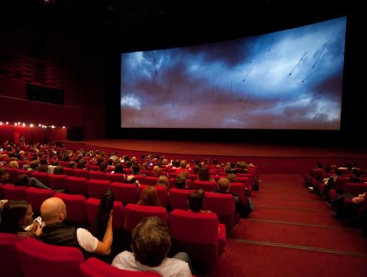 В Азербайджане возобновляется работа кинотеатров, театров и концертных залов