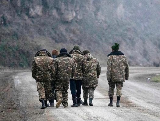 Официальный Баку позитивно воспринял сигналы из Еревана... и вернул 5 военнослужащих