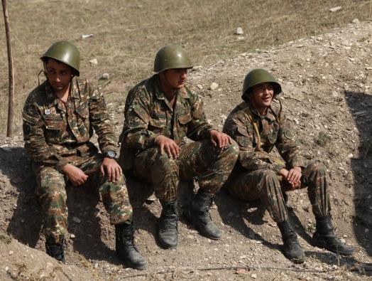 Армянская дилемма: Хочется, но не можется