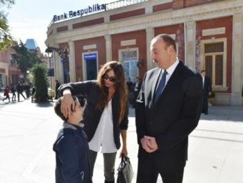 Президент и первая леди пообещали Эмину прийти на его день рождения