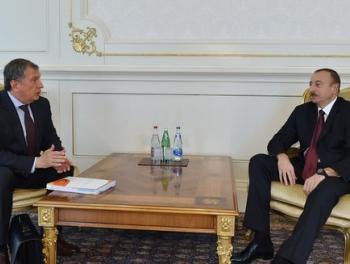 Серый кардинал Кремля у Алиева