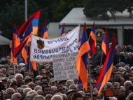 Тысячи армян требуют отставки Саргсяна (фото) (обновлено)