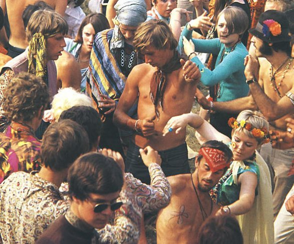 the woodstock festival and the music of the 60s a peaceful rock revolution