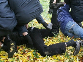 Протесты в Гяндже. Избиты полицейские и глава района (обновлено 15:05)