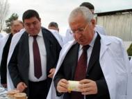 Продбезопасность Гейдара Асадова: урожайность падает, посевы сокращаются