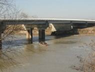 У правительства не хватило денег достроить мост в Сальяне