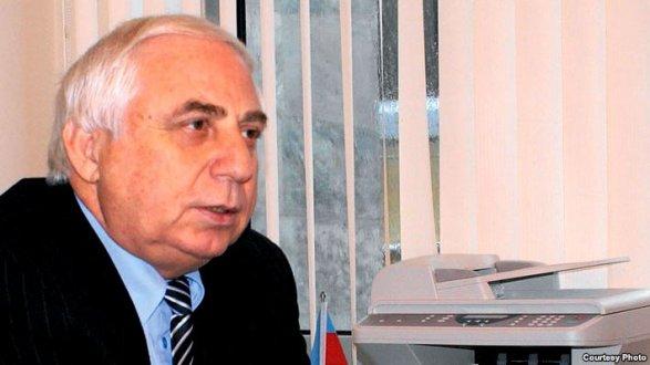 Депутат Х.Раджабли рекомендует педагогам подрабатывать чернорабочими