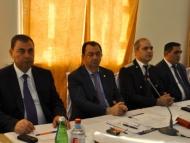 Алиев ему не указ… Ему бы еще подзаработать