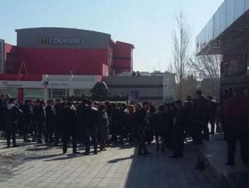 Акция протеста ювелиров в Баку