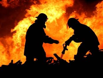 Опасность большого пожара: весь Баку в полиуретане