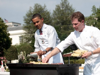 Путин доволен: Обама вертится, как уж на сковородке