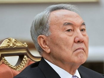 Почему Назарбаев пошел на досрочные выборы, или Украинский сценарий для Казахстана